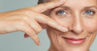 Fighting wrinkles under the eyes